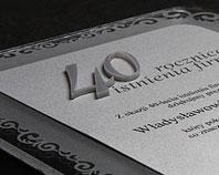 Dyplom z wypukłymi przestrzennymi 3d napisami