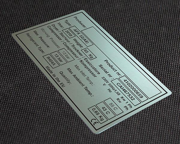 Tabliczka znamionowa CE do compressora. Rozmiar 9 x 5 cm. Grubość blachy 0,5 mm