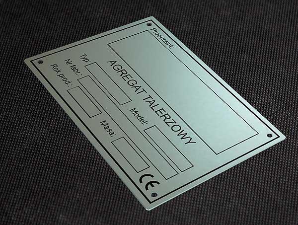 Tabliczka znamionowa do agregatu talerzowego